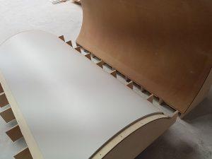 Detalle termoconformado pilar redondo CORIAN