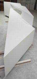 formas y volumenes mostrador solid surface CORIAN