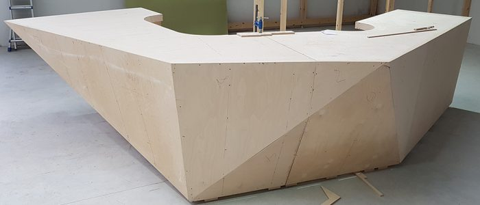 mostrador base madera para solid surface CORIAN